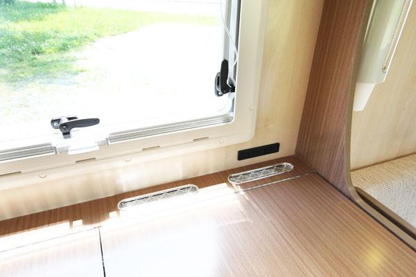 コンセント3(キッチン上段)