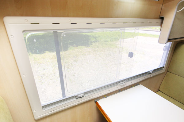 窓(網戸)